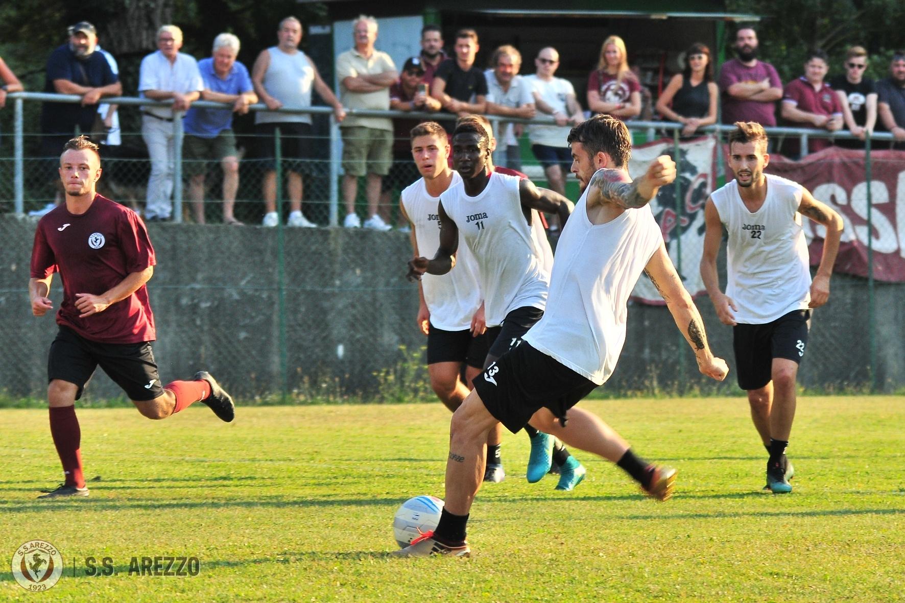 SS AREZZO Domenica 26 agosto amichevole contro la Vis Pesaro - SS AREZZO 6e22f6cd0ad1